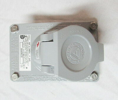 Appleton ECSK2023 Receptacle and Cover Assembly; 20 Amp, 125VAC
