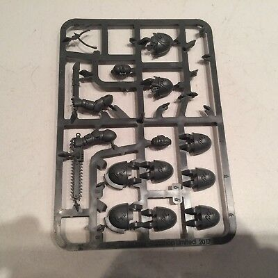 Warhammer 40k Space Wolves 2 Primaris Upgrade Sprue Tooth and Claw