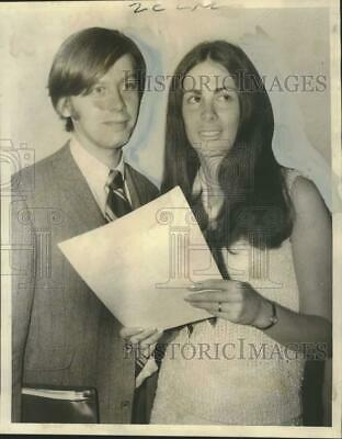 1971 Press Photo Dr. Patricia Pliner and Dr. Howard Cappell, Paper on Marijuana