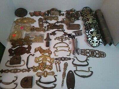 Large Mixed Lot of 60 pcs Vtg Antique Brass Metal Drawer Pulls Hardware Handles