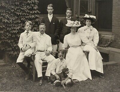1907 Photo- President Theodore Roosevelt, Wife Edith, Children and Family Dog
