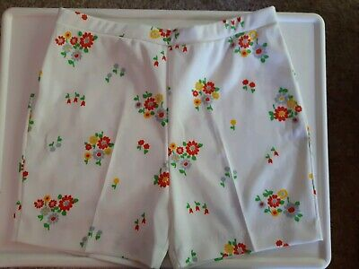 50's Vintage Queen Casuals White Floral Polyester High Waist Shorts Size 20