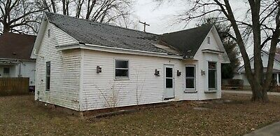Vintage Fixer Upper Home in Small West Central IL Town - Quaint Cheap House Land