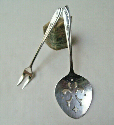 Wm Rogers IS Silverplate 1957 LADY FAIR SHORT PICKLE OLIVE FORK & TOMATO SERVER