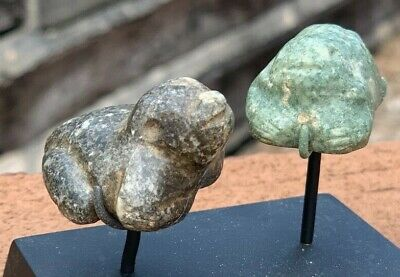 Authentic Miniature Pre Columbian Mezcala Stone Frogs Stand Ex. Arte Primitivo