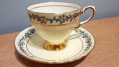 Tuscan Fine English Bone China Hand Finished Tea Cup & Saucer. Excellent Cond.