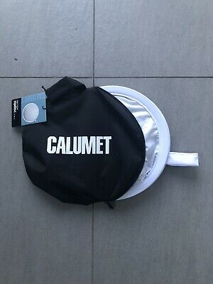 "Calumet 32"" Silver/white photography light reflector"