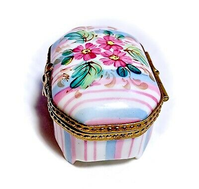 Limoges France French Small Signed Trinket Pill Box Peint Main Limoge Daisies