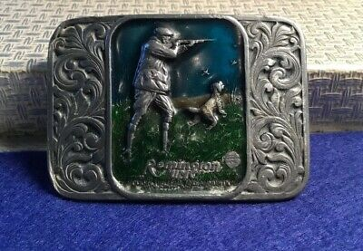 Collectable '93 Remington Hunting Scene gun silver pot metal enamel Belt Buckle
