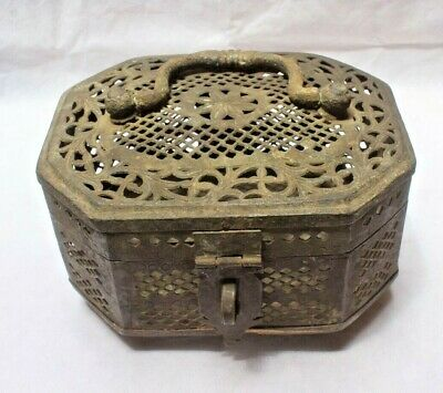 1900's Brass Old Rare Hand Crafted Net Cutting Jewellery Box With Handle BR 148