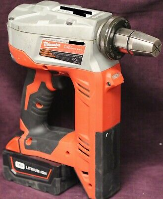 Milwaukee 2632-2 ProPEX Expansion Tool with 18V Lithium-Ion Battery