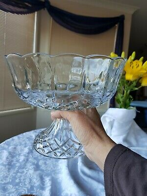 Vintage Cut Crystal Glass Centerpiece Compote pedistal bowl Decoration. Prestine
