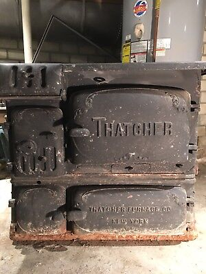 Thatcher Antique Cast-Iron Stove No 88-B Coal and Wood burning