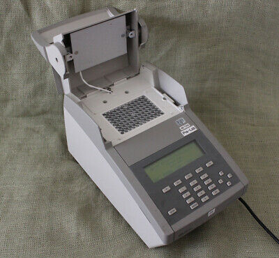 Applied Biosystems 2720 Thermal Cycler 10-100uL 96 well 0.2mL
