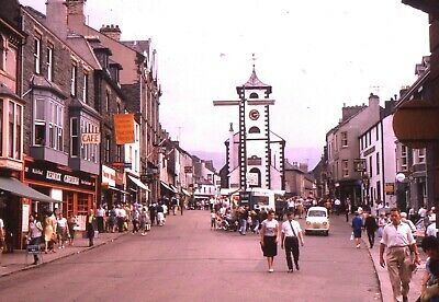 35mm SLIDES : BYGONE BRITAIN : KESWICK HIGH STREET & BUILDINGS 1964 ( 4 PICS )