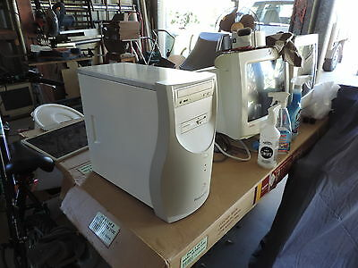 Packard Bell Vintage & Rare pentium 3 great for early games and DOS Dual Boot
