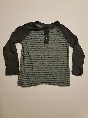 Old Navy long sleeve green and gray patterned boys shirt size 4T