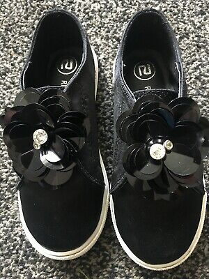 Girls Lovely RIVER ISLAND Silk Effect Flower Plimsolls Black UK 7 Nearly New