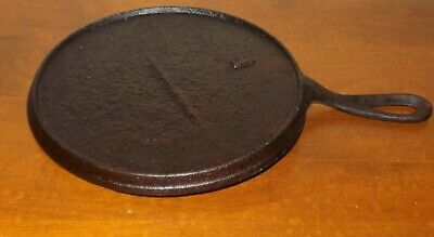 Early Vintage Antique Cast Iron Griddle With Gate Mark & B
