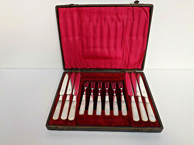 Victorian Cased Set of 12 Silver Plated & Mother of Pearl Fruit/Cake Cutlery Set