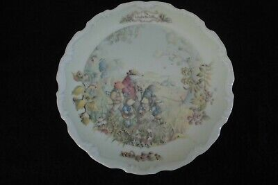 """Royal Albert Wind in the Willows """"Autumn in the Wild Wood"""" Plate"""