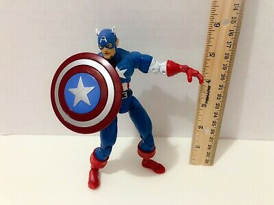 """2002 Marvel Legends 6"""" Captain America Action Figure with Shield"""