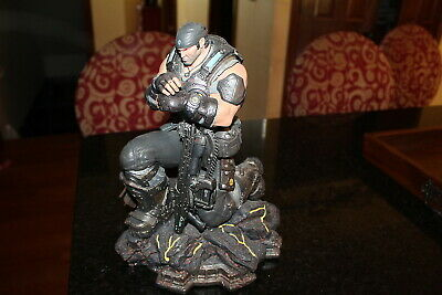 Gears Of War 3 Marcus Fenix Statue 11' with Gun/Lancer - Epic Edition Great cond