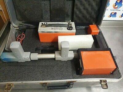 Metrotech Model 810a Locator Wand x2 plus Transmitter and Hard Carrying Case