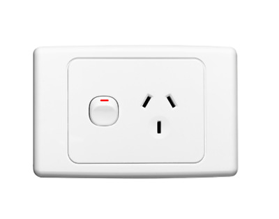 Clipsal 2015/15 WE AUS/NZ 250V 15A switched socket White