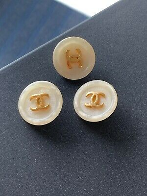 2 CHANEL 21mm Replacement Button Gold on Beige