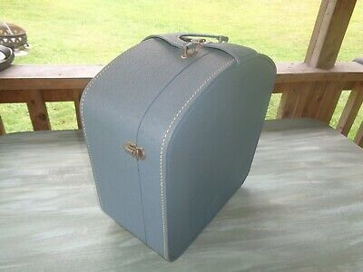 RARE VINTAGE CHIC MISS by WHEARY travel luggage