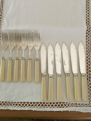 English Fish Silverplate Set of 6 Knives and Forks