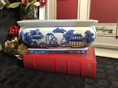 Porcelain planter Oriental Blue and white hand painted Chinese jardiniere footed