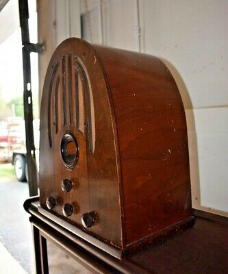1937 Antique Philco Cathedral Table Top Tube Radio 37-60
