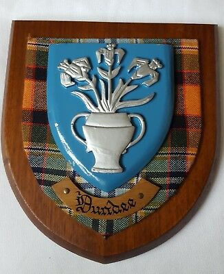 Wall Plaque Tartan backed Oak Crest for DUNDEE Scotland Scottish
