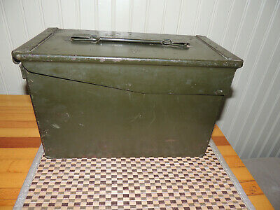 Vintage Army Green Unmarked All Metal Ammo Box 12Lx6Wx7H