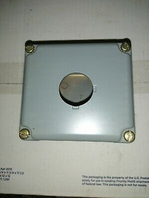 Square D 9001 KY-1 Steel Pushbutton Enclosure 3-1/2in X 3-1/2in X 4in NOS