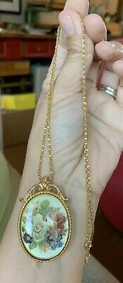 Lovely Vtg Antique Style Edwardian Victorian Floral Lucite Pendant Necklace