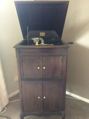 Antique Gramaphone in Timber Cabinet