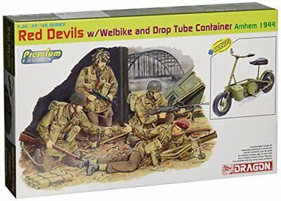 Red Devils w / Welbike and Drop Tube Container, Arnhem 1944 Figure 1:35 Model