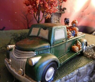 Old Halloween TRUCK with PUMPKIN, skeleton for Dept 56, Lemax mini Fall VILLAGE