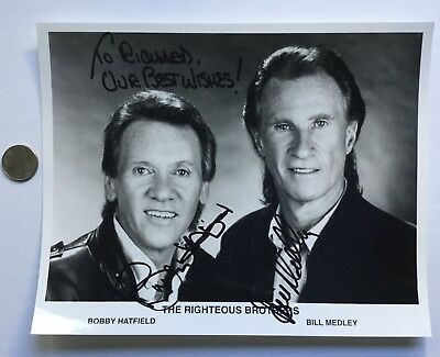 Bobby Hatfield (1940-2003) Bill Medley The Righteous Brothers Signed 8x10 Photo