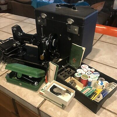 Vintage Singer Featherweight 221 Sewing Machine With Travel Case & Accessories