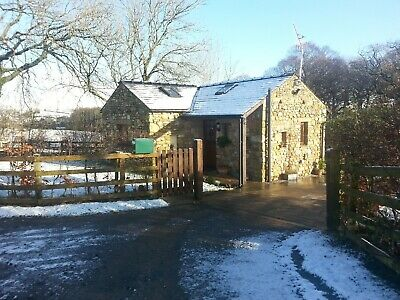 Pre Xmas dec 20-22 private detached holiday cottage , dogs welcome £120