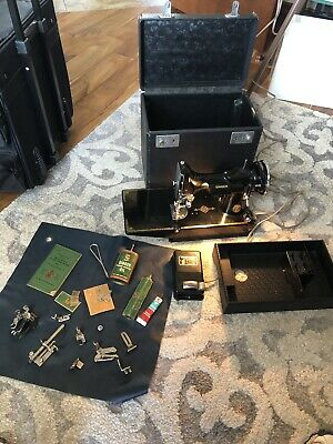 Vintage 1936 Singer Featherweight 221 Portable Sewing Machine AE079721 W/Case