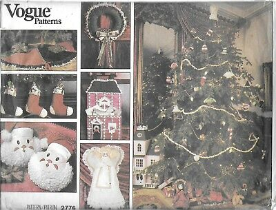 UNCUT sewing pattern vintage Vogue 2776 Christmas decorations tree skirt santa