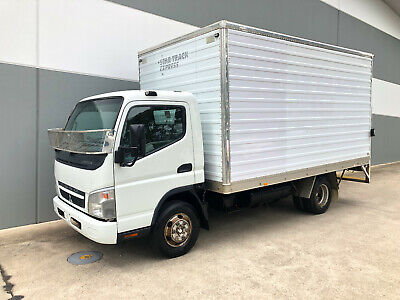 Mitsubishi Canter - PANTECH - Good strong truck WITH TAILGATE LIFT!