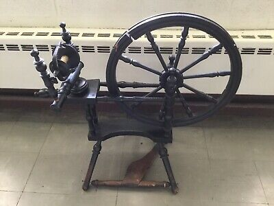 Antique Vintage Black Wood Spinning Wheel Very Pretty But Needs A Little Tlc
