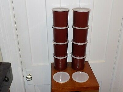 8 Cambro 1 Quart Plastic Containers with Tops