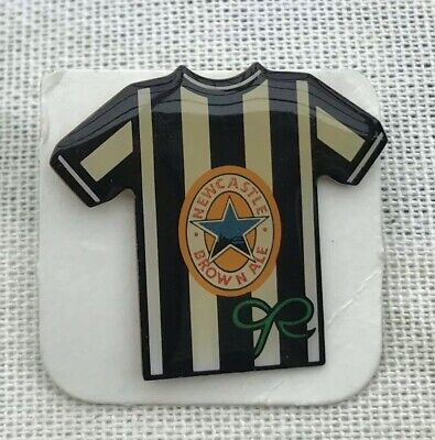 Newcastle United Home Kit  pin badge Newcastle Brown Ale Collectable